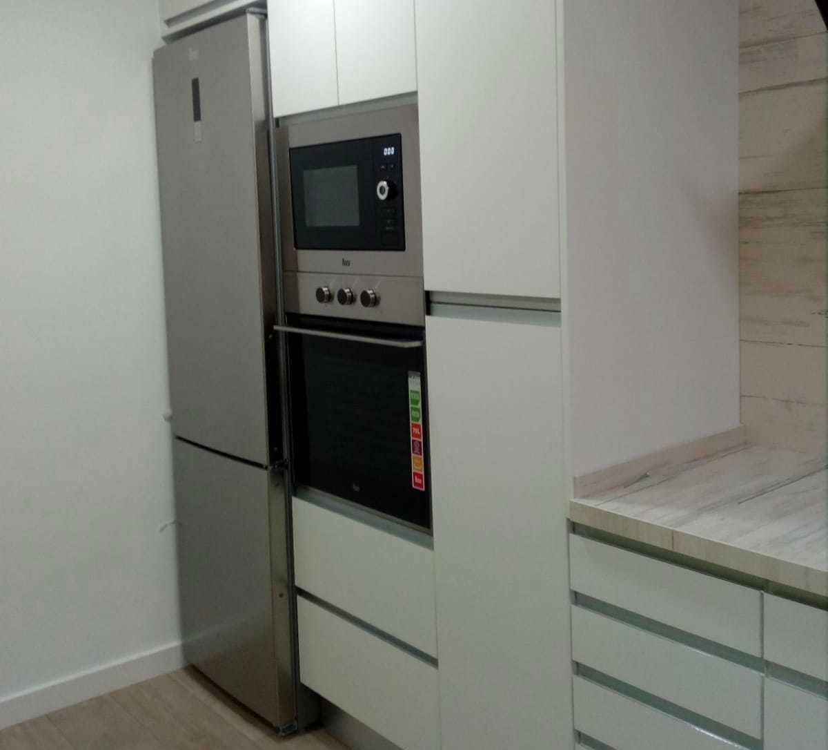 reforma-cocina-horno-microondas